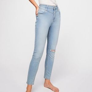 Free People Mara Ripped Knee Skinny Jeans NWT